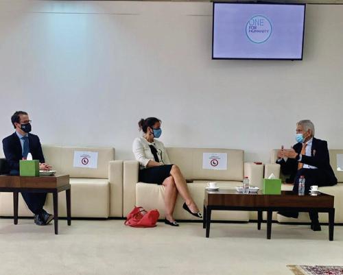 وفد دبلوماسي هولندي يزور المدينة العالمية للخدمات الإنسانية